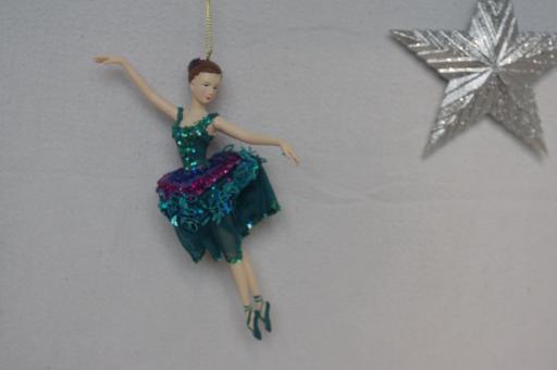 Tänzerin in blauem Tüll